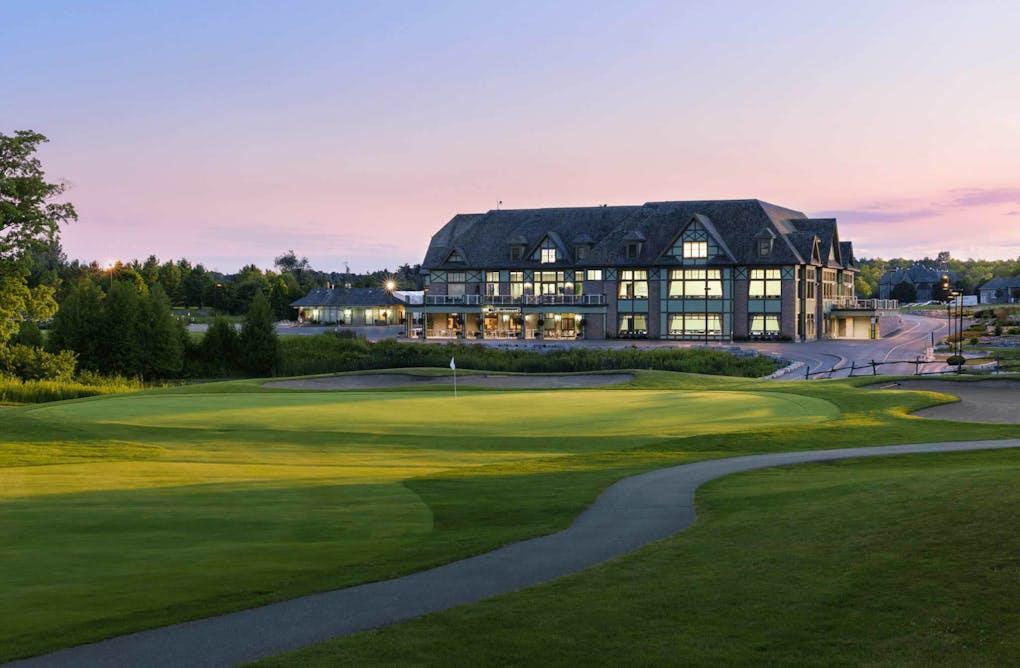 Deer Creek Golf Course and Banquet Facility: A Durham Golf Extravaganza