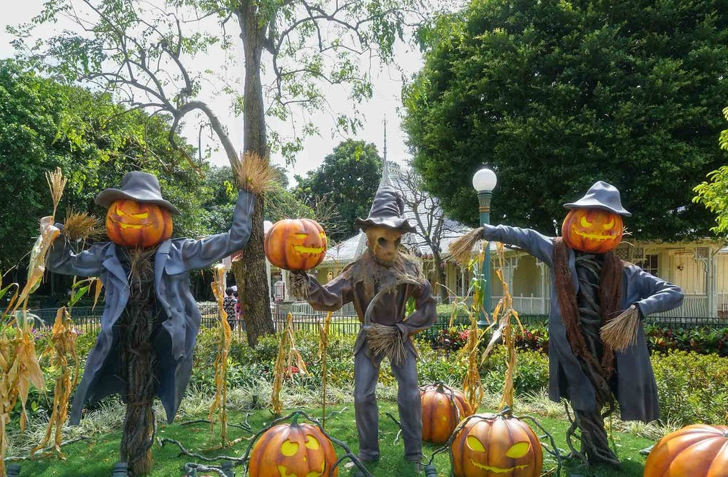How to Halloween in Headwaters