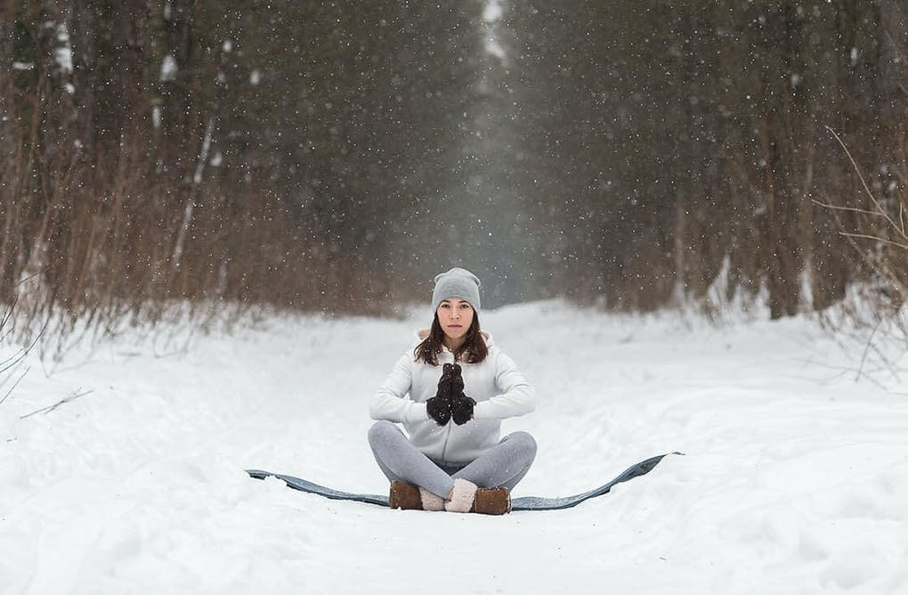 Snow Yoga: Yes, It Does Exist